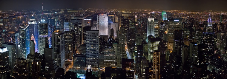 New_York_Midtown_Skyline_at_night_-_Jan_2006_edit11