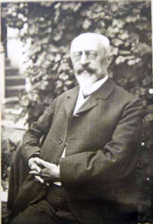 "Ferdinand Blumentritt (1853-1913)- Born in Leitmeritz , the present day Litomerice in the Czceh Republic, he published a number of studies on Philippine history, culture and languages.  Blumentritt was  Geography and History teacher in the local  ""Gymnasium""(equivalent to High School) when Rizal befriended him trough correspondence."